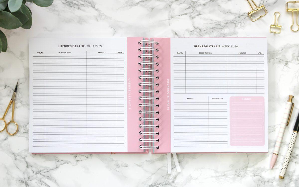 Flow Planners urenregistratie roze